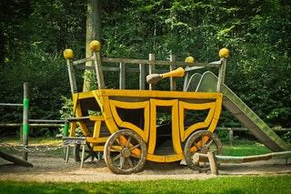 A fa játszóterek, kerti játékok előnyei