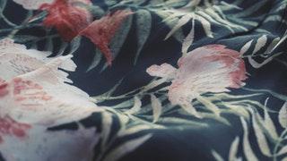 Textilfesték spray segítségével